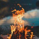 Aşıklar nasıldır bilir misin. Biri kibrit ötekisi mumj yakan da biter yanan da biter