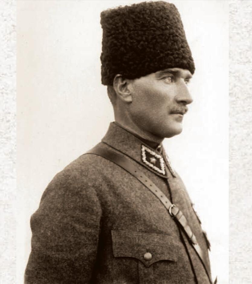 İleri hükûmetçiliğin şiarı halkı kudretine olduğu kadar şefkatine de samimiyetle inandırabilmesidir. - Mustafa Kemal Atatürk Resimli Sözler - Atatürk Sözleri Ve Fotoğraf Arşivi, unlu-sozleri, guzel-sozler