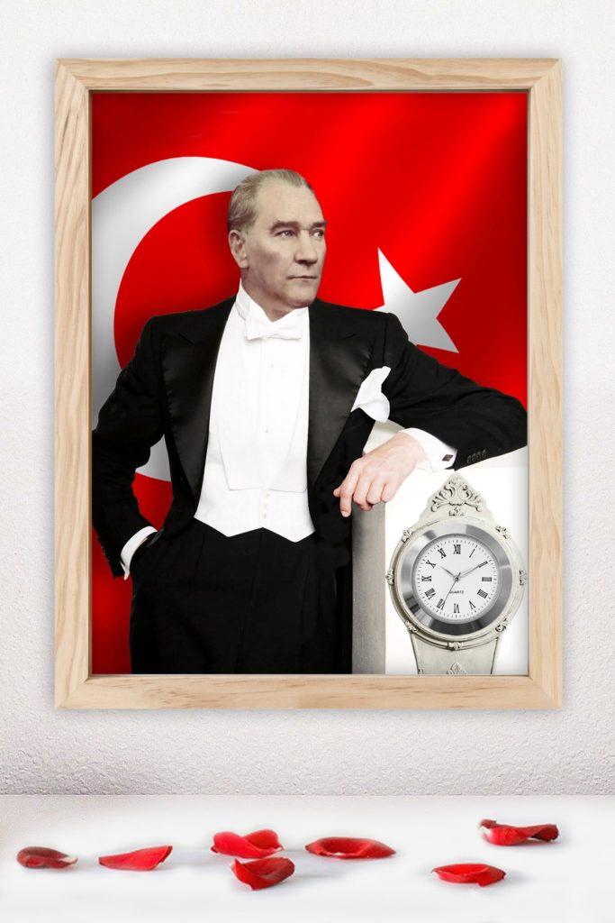 İnsanlığın bütününün refahı açlık ve baskının yerine geçmelidir. Dünya vatandaşları kıskançlık açgözlülük ve kinden uzaklaşacak şekilde eğitilmelidir. 683x1024 - Mustafa Kemal Atatürk Resimli Sözler - Atatürk Sözleri Ve Fotoğraf Arşivi, unlu-sozleri, guzel-sozler