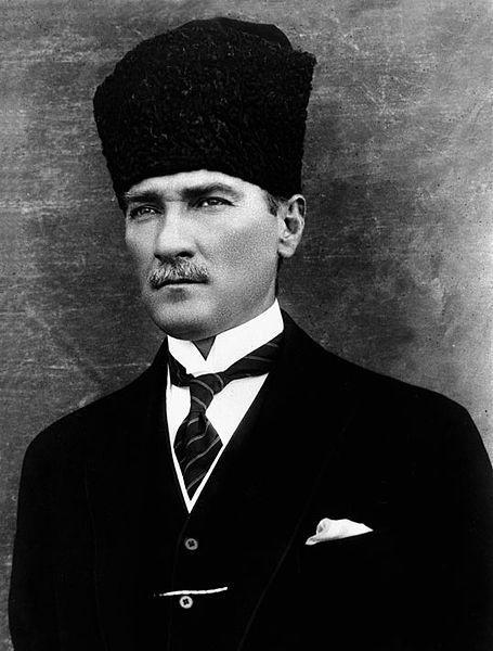 Bugünün ihtiyaçlarına uygun kanun yapmak ve onu iyi uygulamak refah ve ilerleme vasıtalarının en mühimlerindendir. - Mustafa Kemal Atatürk Resimli Sözler - Atatürk Sözleri Ve Fotoğraf Arşivi, unlu-sozleri, guzel-sozler
