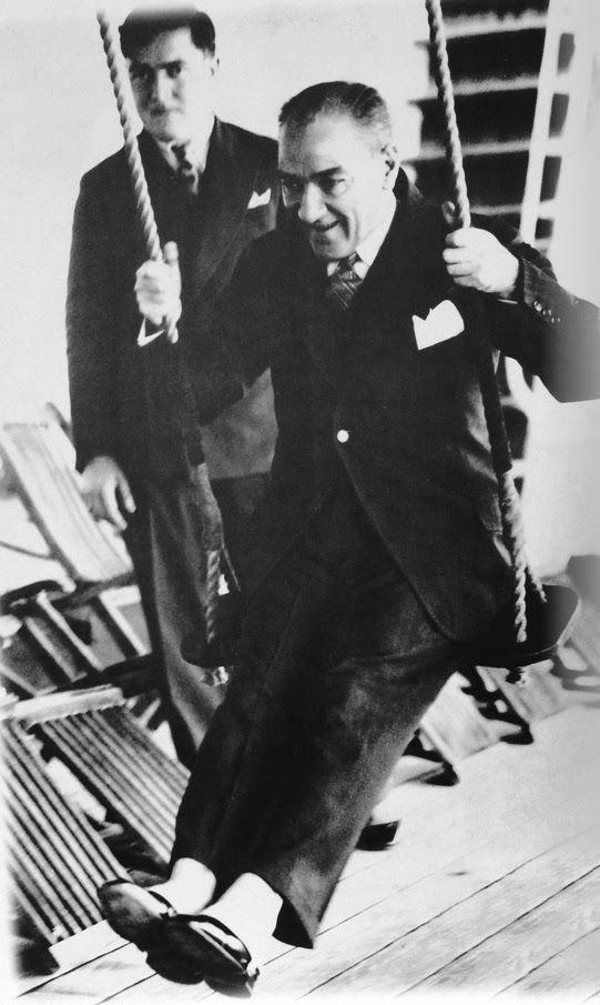 Dünya yüzünde gördüğümüz her şey kadının eseridir - Mustafa Kemal Atatürk Resimli Sözler - Atatürk Sözleri Ve Fotoğraf Arşivi, unlu-sozleri, guzel-sozler