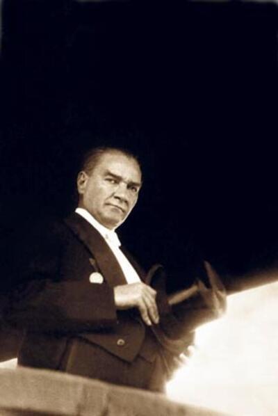 Hürriyet olmayan bir memlekette ölüm ve çöküş vardır. Her ilerleyişin ve kurtuluşun anası hürriyettir. - Mustafa Kemal Atatürk Resimli Sözler - Atatürk Sözleri Ve Fotoğraf Arşivi, unlu-sozleri, guzel-sozler