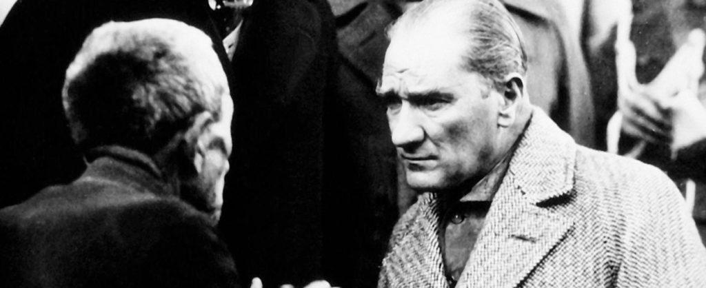 Samimi ve meşru olmak şartıyla her fikre hürmet ederiz. Her kanaat bizce muhteremdir. 1024x418 - Mustafa Kemal Atatürk Resimli Sözler - Atatürk Sözleri Ve Fotoğraf Arşivi, unlu-sozleri, guzel-sozler