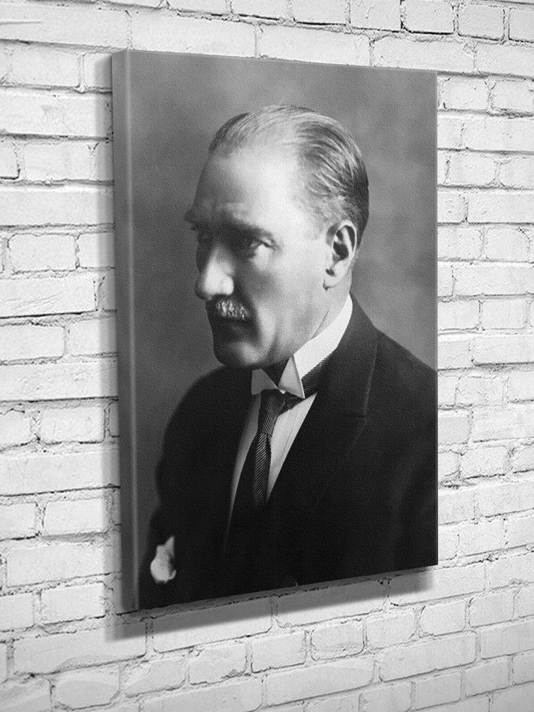 Türk milletinin tabiat ve adetlerine en uygun olan idare Cumhuriyet idaresidir. 768x1024 - Mustafa Kemal Atatürk Resimli Sözler - Atatürk Sözleri Ve Fotoğraf Arşivi, unlu-sozleri, guzel-sozler