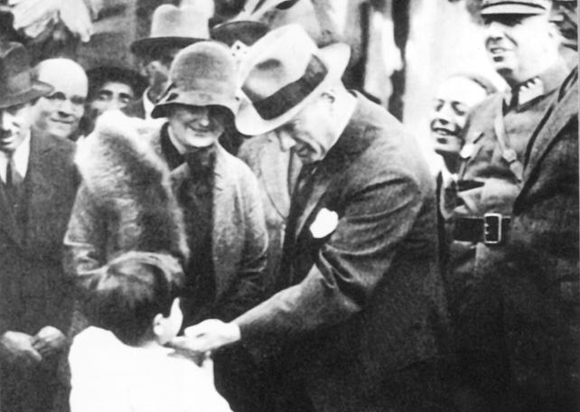 Türk milletinin yürümekte olduğu ilerleme ve uygarlık yolunda elinde ve kafasında tuttuğu meşale pozitif bilimdir. - Mustafa Kemal Atatürk Resimli Sözler - Atatürk Sözleri Ve Fotoğraf Arşivi, unlu-sozleri, guzel-sozler